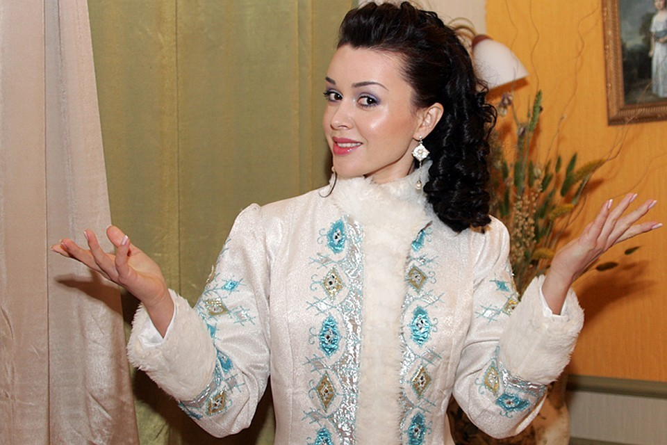 Близкие Заворотнюк, выполняя просьбу Анастасии, не дают никаких комментариев по поводу состояния ее здоровья