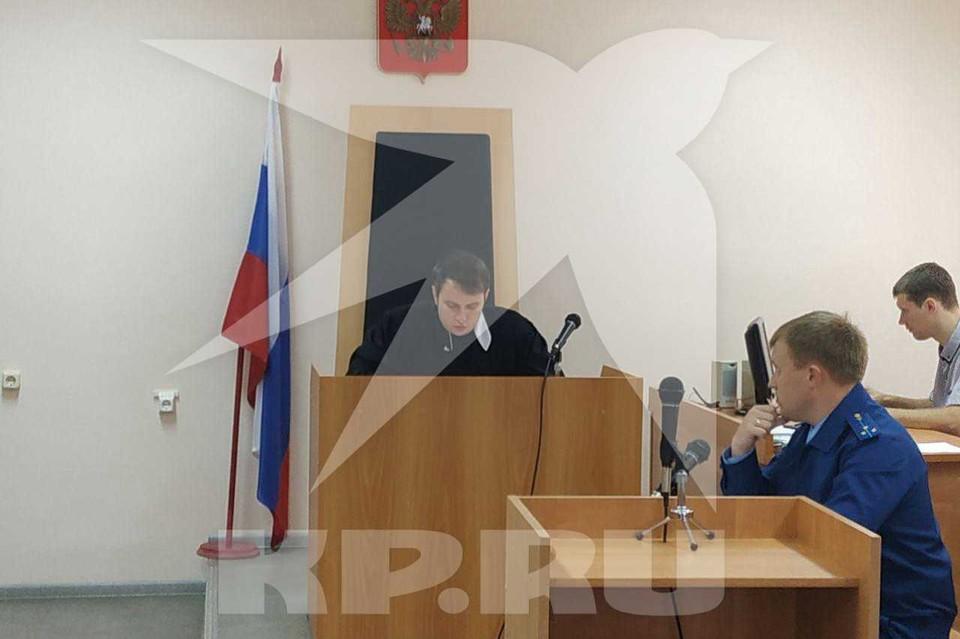 Нервно и психически устойчив: коллеги из полиции охарактеризовали обвиняемого в убийстве на кладбище в Вольске