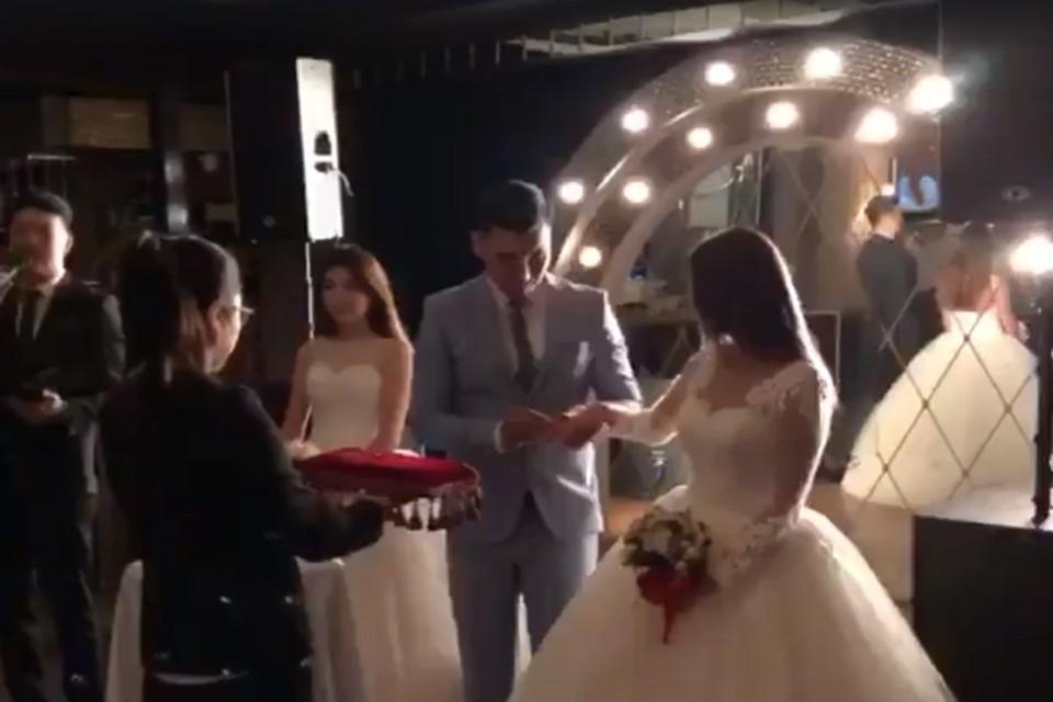 В сети обсуждают видео женитьбы сразу на двух девушках в Бишкеке
