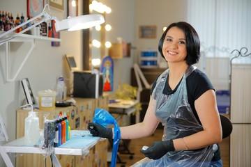 «10 лет назад окончила художественное училище, а только сейчас стала тату-мастером. Я наконец-то освоила ту профессию, которая меня давно привлекала»