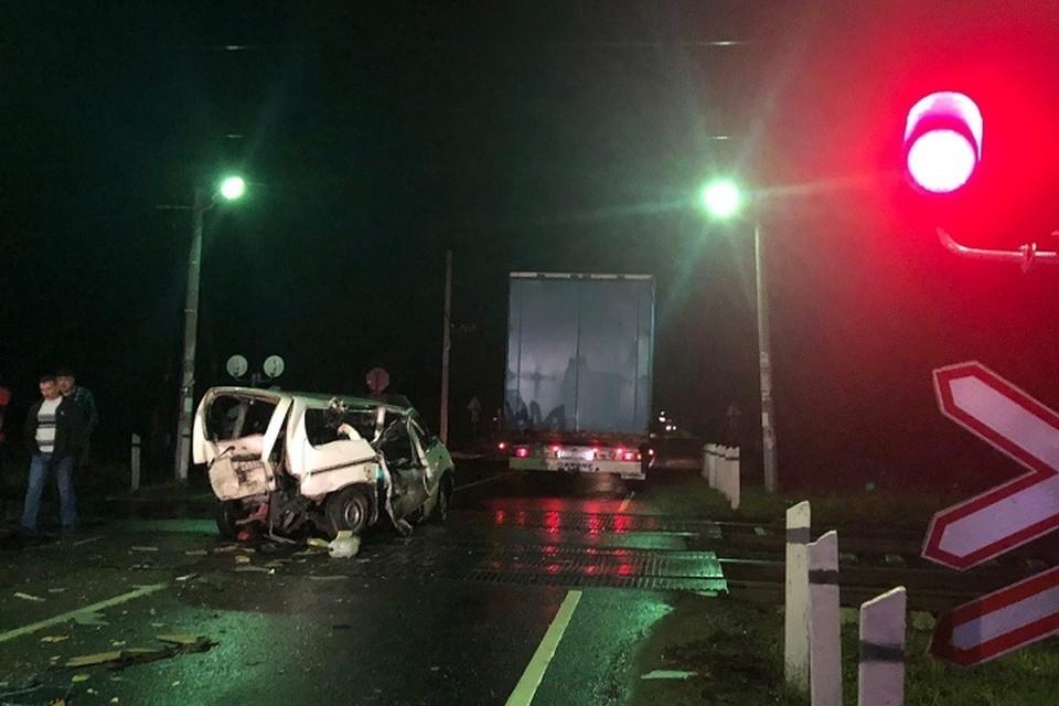 Пять поездов задержались в Ленобласти из-за ДТП с пьяным водителем на каршеринге