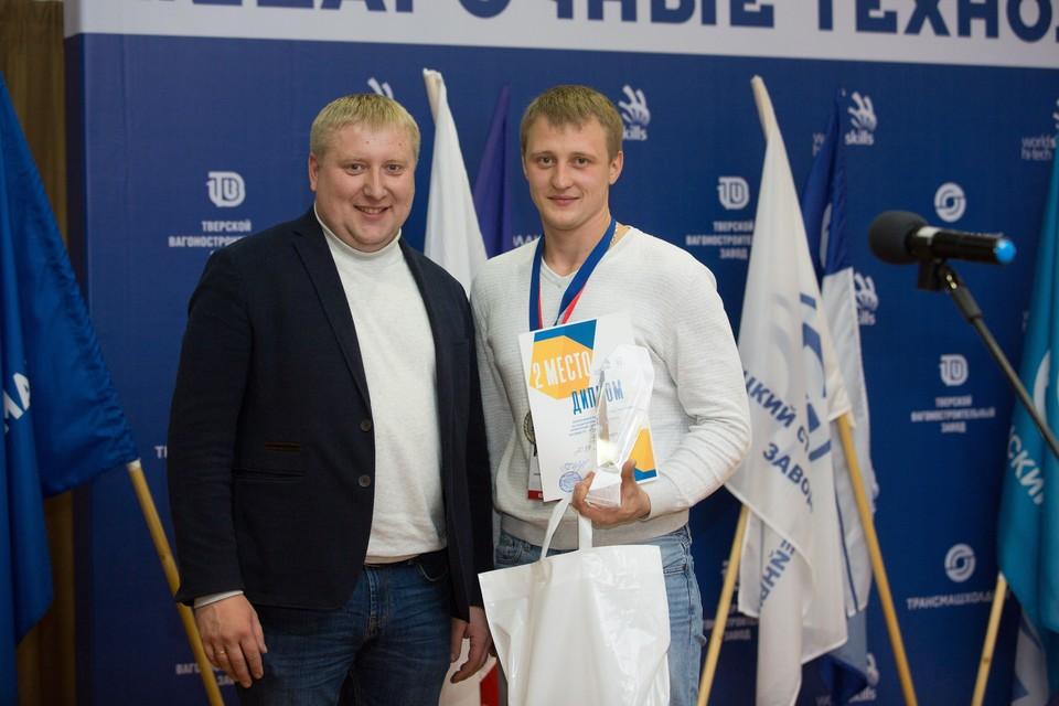 Сергей Захаров (справа) с главным экспертом чемпионата ТМХ Андреем Башариным.