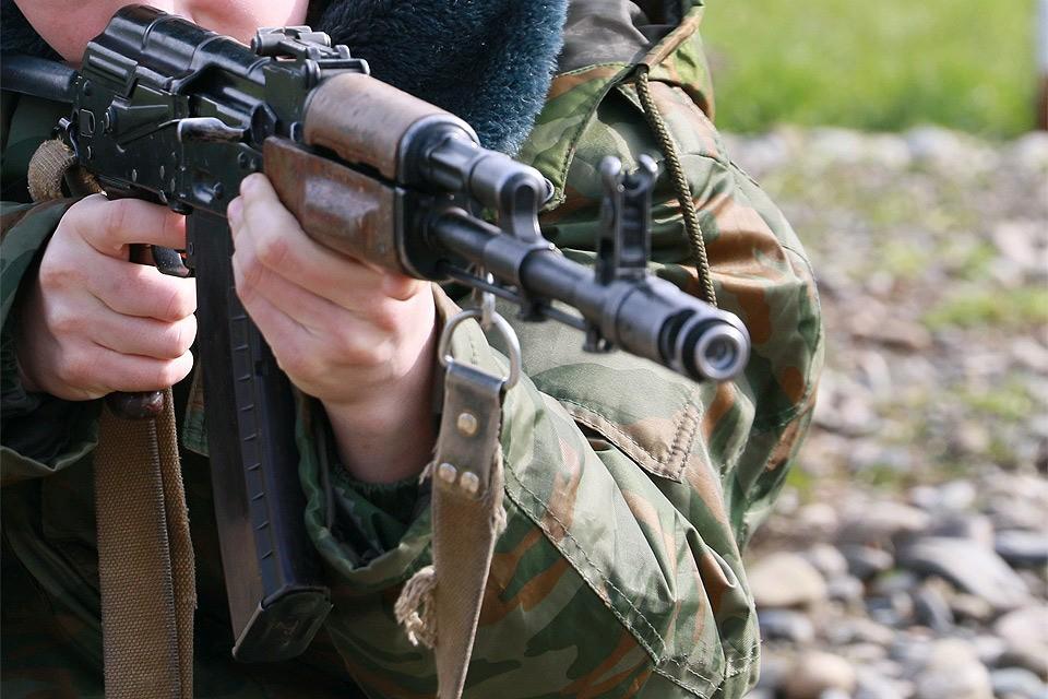 Среди убитых в результате стрельбы в военной части - 5 срочников, 1 контрактник и 2 офицера.
