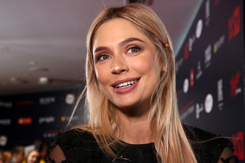Наталья Рудова угодила в скандал с эскортницами.
