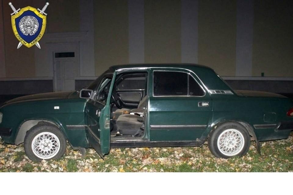 Разбил стекло в одной машине, вытащил все ценное, и угнал второе авто. Фото: УСК по Гродненской области.