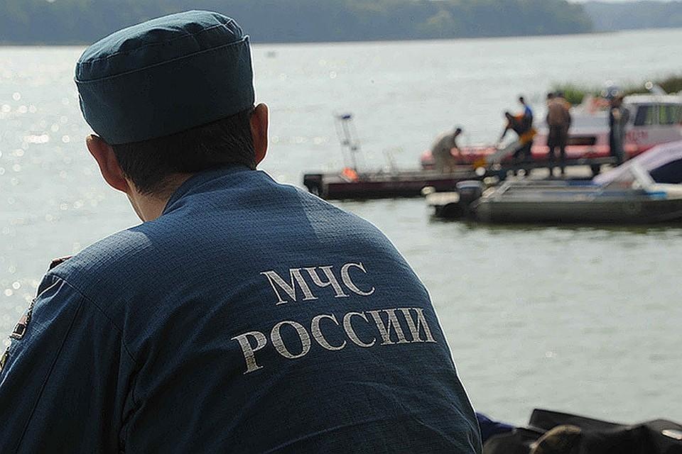 Родные и близкие пропавших не отчаиваются и надеются, что с рыбаками все в порядке