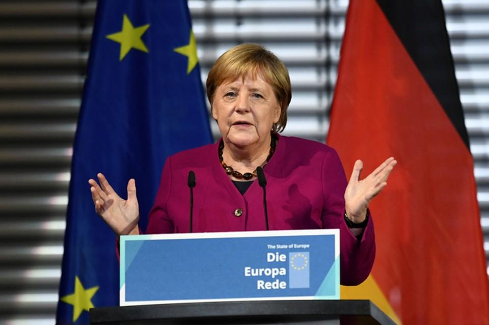 Канцлер Германии Ангела Меркель не поблагодарила Михаила Горбачева в своем выступлении в честь 30-летия падения Берлинской стены