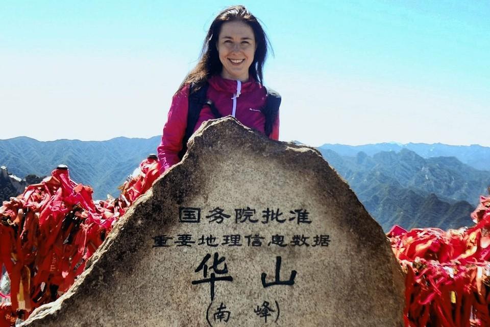 Тюменка Екатерина Заморских бросила карьеру и поехала изучать китайский язык в Шанхае