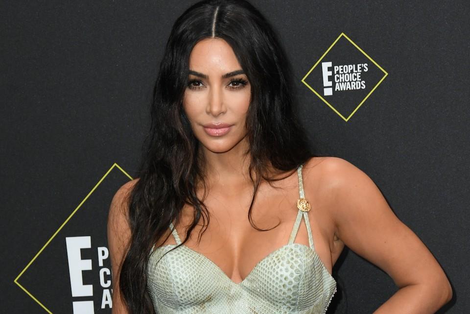 Ким Кардашьян на премии премии People's Choice Awards.