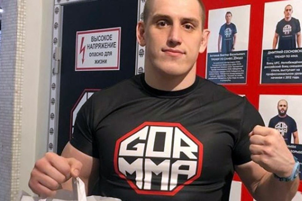 Среди доставленных в отдел к следователям оказался 30-летний Дмитрий Сосновский, известный российский боец ММА