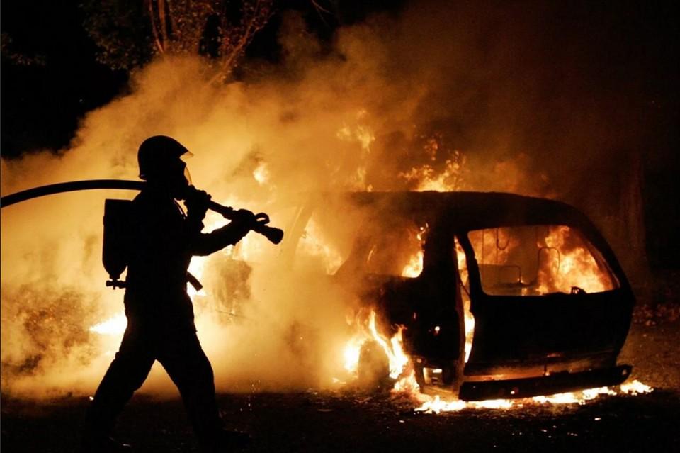 Автомобиль сгорел дотла. Фото: yandex.ru
