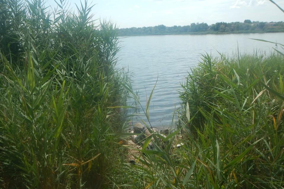 Тело жертвы достали со дна Михайловского озера. Фото: СКР