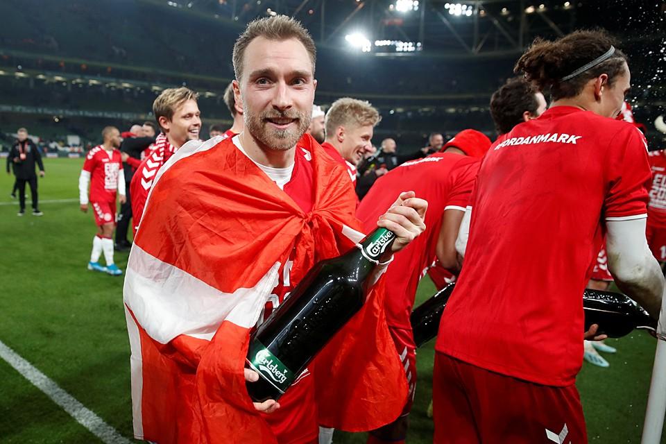 Датская команда, набравшая в отборочном этапе 16 очков и сыгравшая вничью с ирландцами с ничейным счетом 1:1, попала в группу B вместе со сборной России