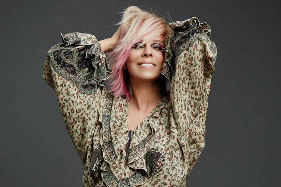 55-летняя певица не боится своего возраста - возможно, это помогает ей отлично выглядеть. Фото: Дамир ЖУКЕНОВ