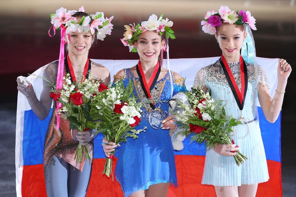 В декабре 2018 года Трусова, Косторная и Щербакова заняли первые три места в финале Гран-При среди юниорок. Теперь они могут повторить этот результат на взрослом уровне.
