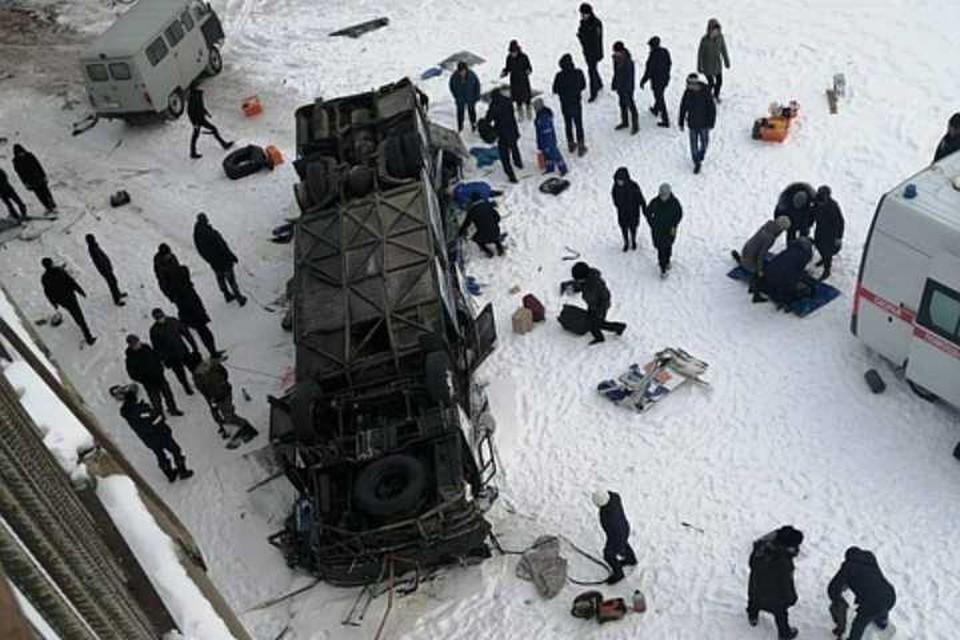 Прокуратура Забайкальского края начала проверку после падения автобуса с моста