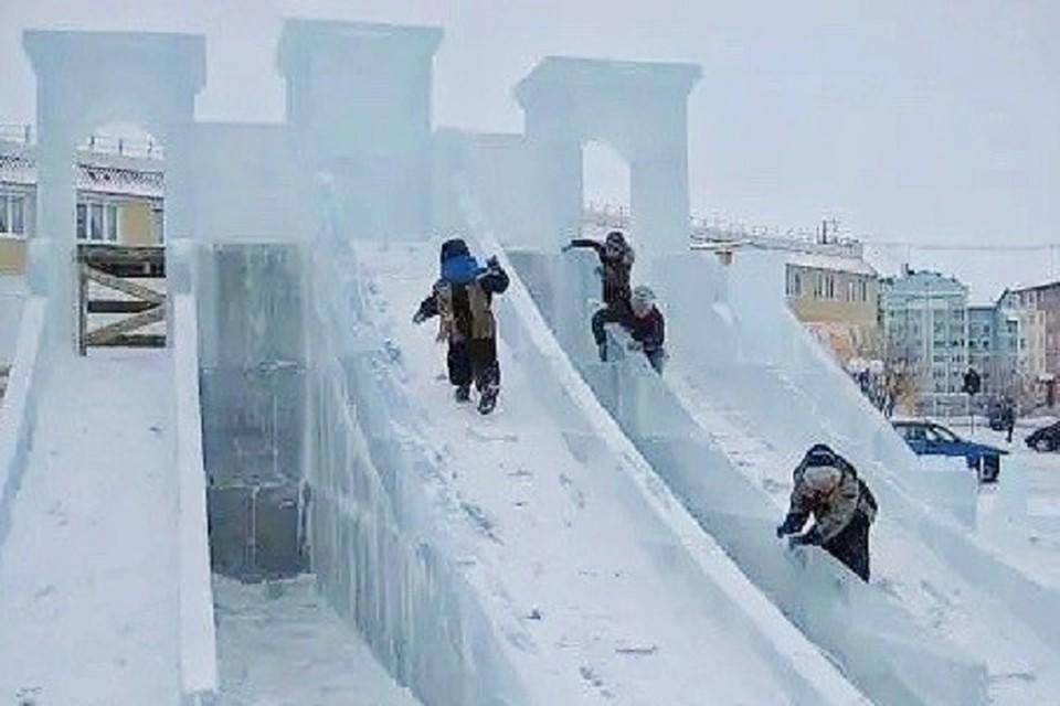 Безопасность ледового городка в Салехарде будут проверять каждый день Фото: Администрация Салехарда