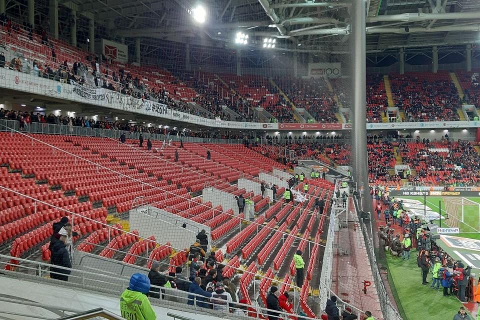 Российский футбольный год завершался в унылых декорациях пустых кресел стадионов