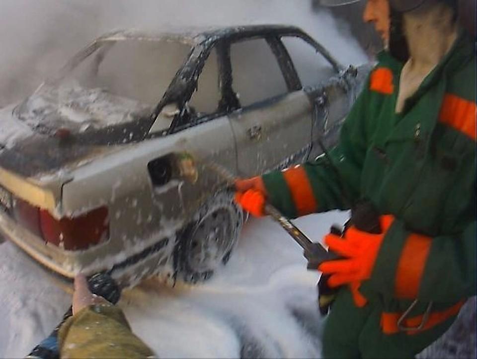 Спасатели справились с огнем за десять минут