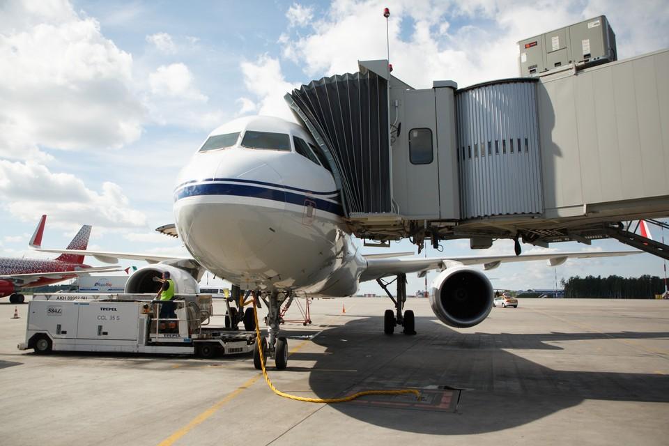 В петербургском аэропорту Пулково два рейса задержали на несколько часов