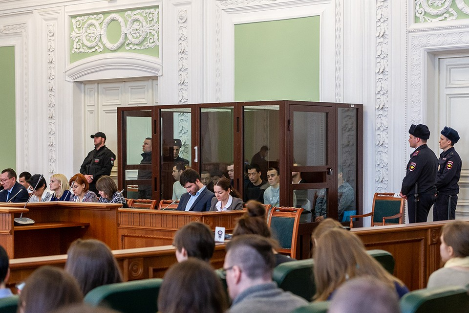 Прямая трансляция из зала суда, где выносят приговор обвиняемом в теракте в метро в Петербурге 3 апреля 2017 года.