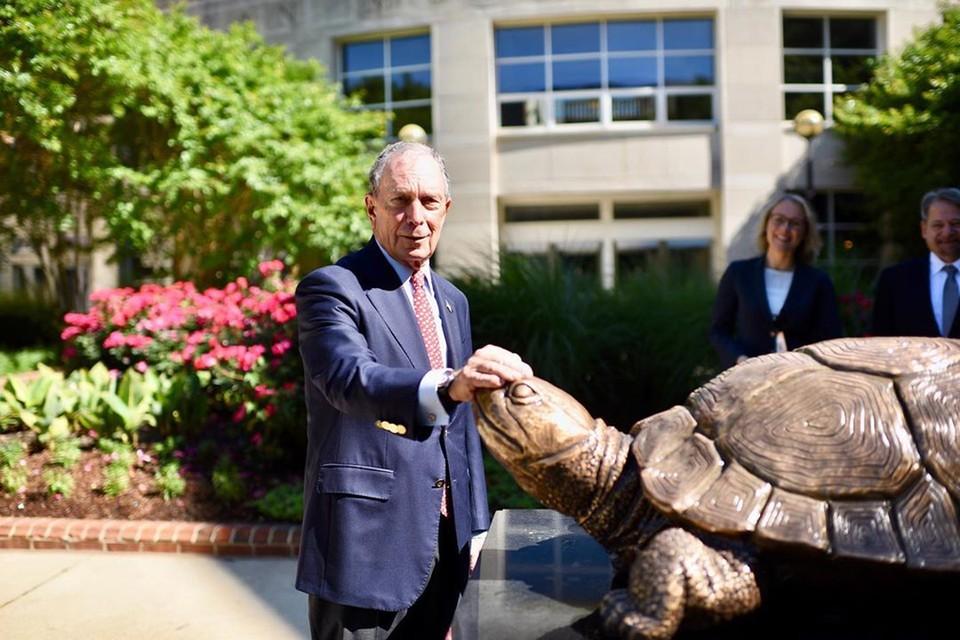 78-летний кандидат в президенты США миллиардер Майкл Блумберг - политический долгожитель,был мэром Нью-Йорка. Фото: instagram.com/mikebloomberg