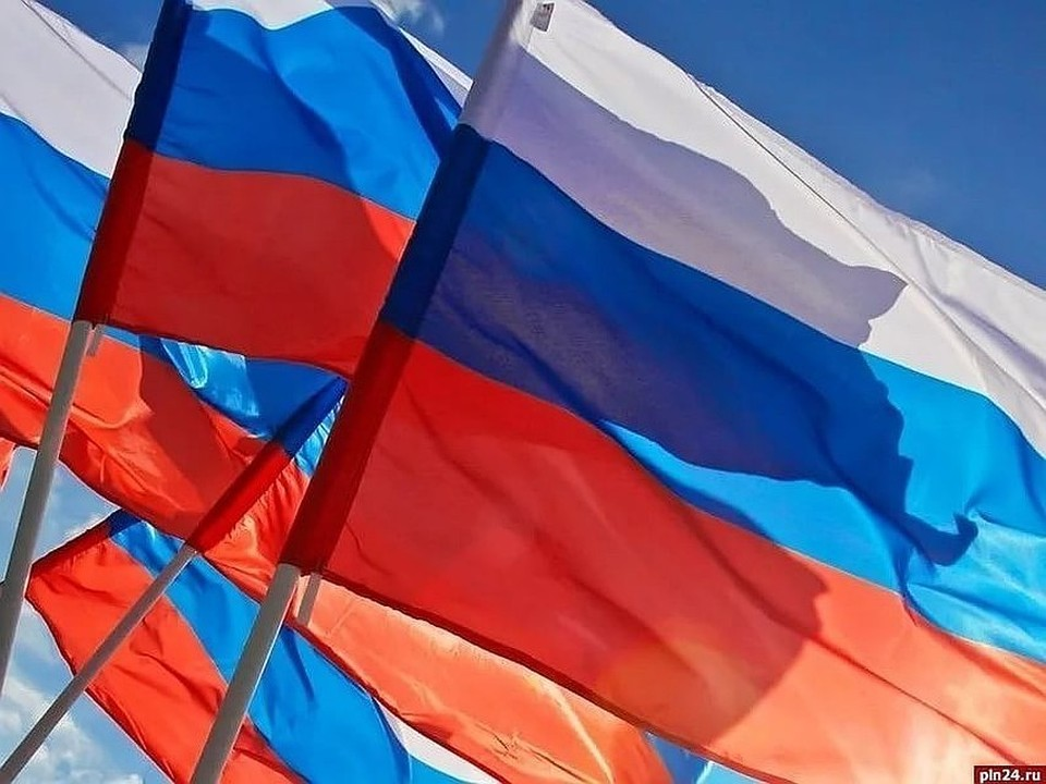 В России могут начать наказывать чиновников за оскорбления народа