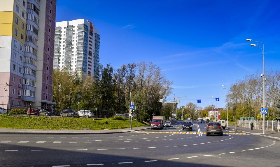 Дорога в Дзержинском районе. Фото пресс-службы администрации
