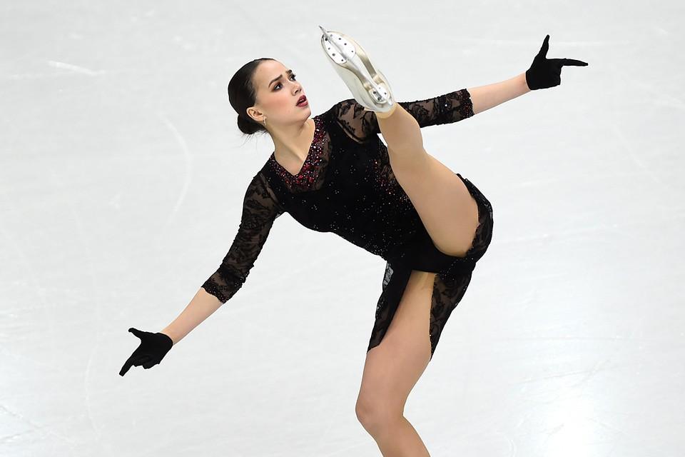 В своем обращении Загитова отметила, что для нее фигурное катание - это жизнь, а большой спорт - то, ради чего она работала и продолжает работать