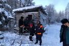 Из якутской тайги вывезли троих охотников, у которых в минус 50 заглохла машина