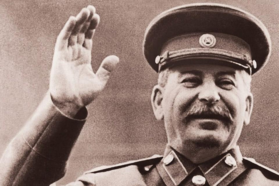 В 140-летнюю годовщину со дня рождения Сталина многие мечтают, чтобы в стране появился такой же жесткий лидер и навел порядок.