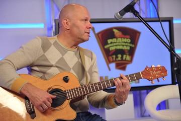 Алексей Кортнев: Те, кто поют попсу, делают это ради денег. Удовольствия они не получают