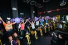 Крути педали за добро: Москвичи сели на велотренажеры, чтобы помочь детям с синдромом Дауна