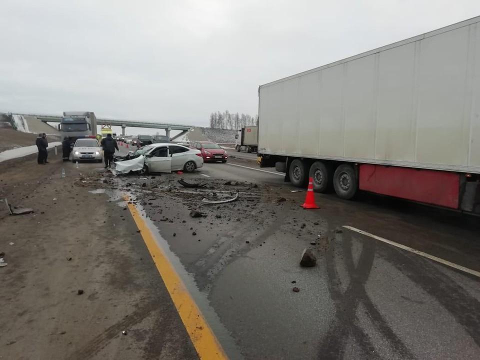 5 человек пострадали в ДТП с грузовиком под Липецком