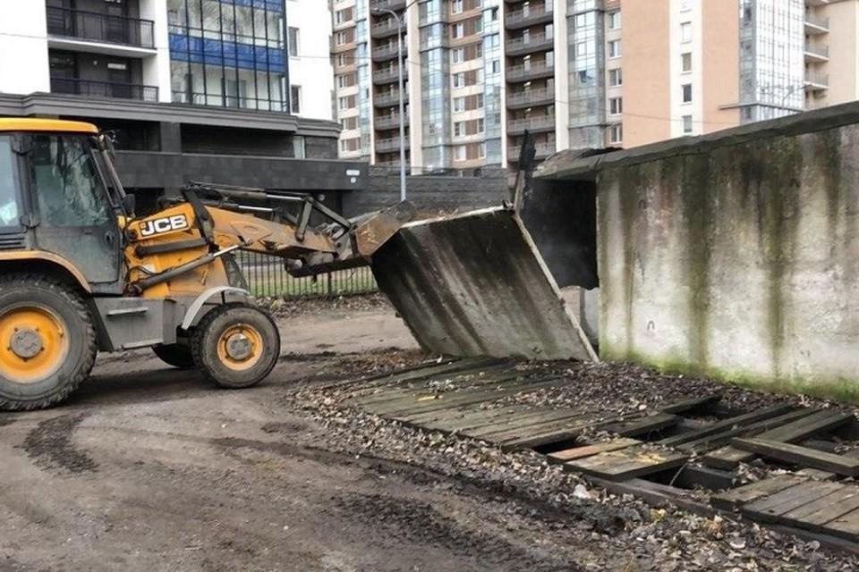 В Калининском районе снесли гаражи. Фото: ККИ СПб