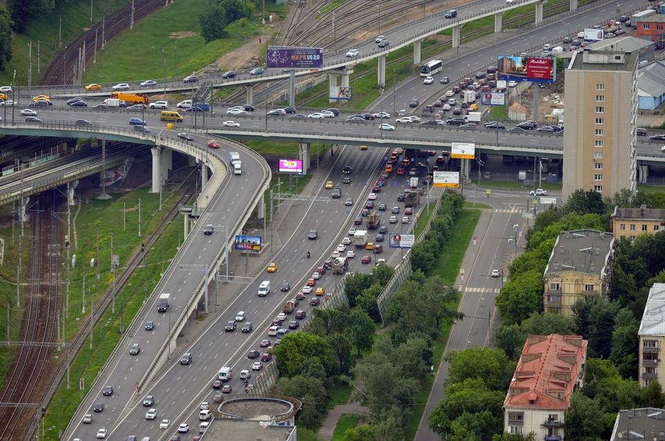 Новую дорожную систему будут проектировать по типу московской: современные развилки, светофоры, камеры.