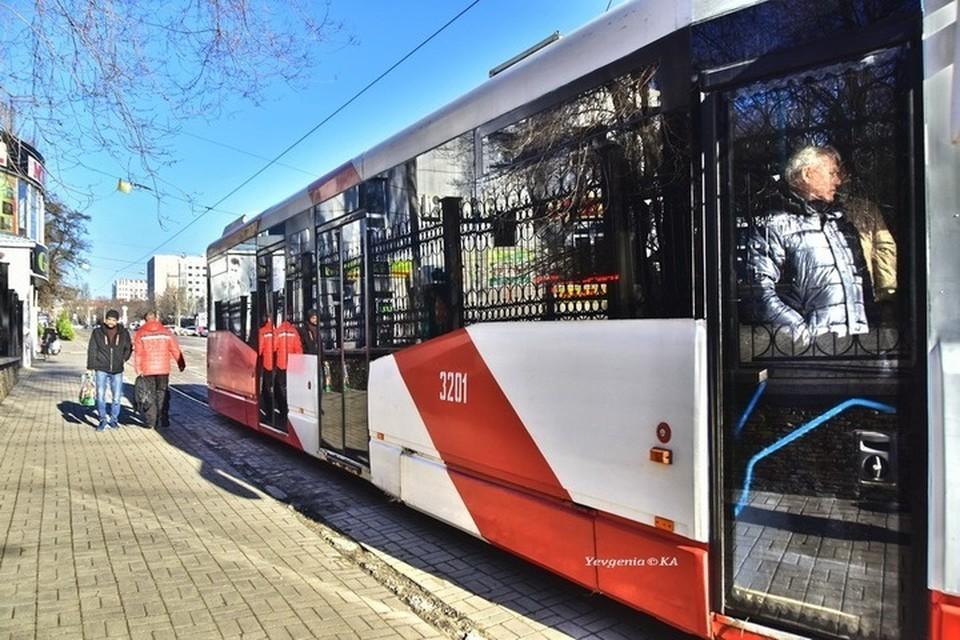 Особенно бдительным нужно быть в общественном транспорте. Фото: Евгении Карпачевой