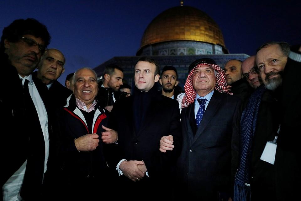 Президент Франции Эммануэль Макрон оскандалился