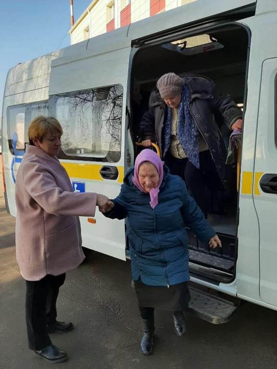 В Белгородском районе жителей старше 65 лет доставляют в медучреждения