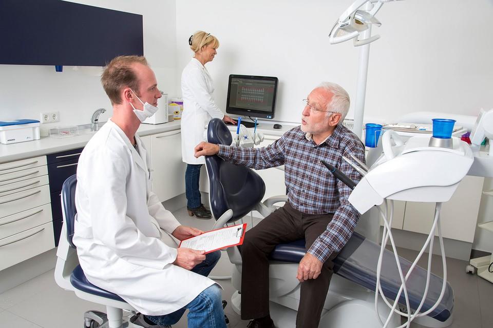 Диспансеризация проводится в поликлинике по месту жительства.