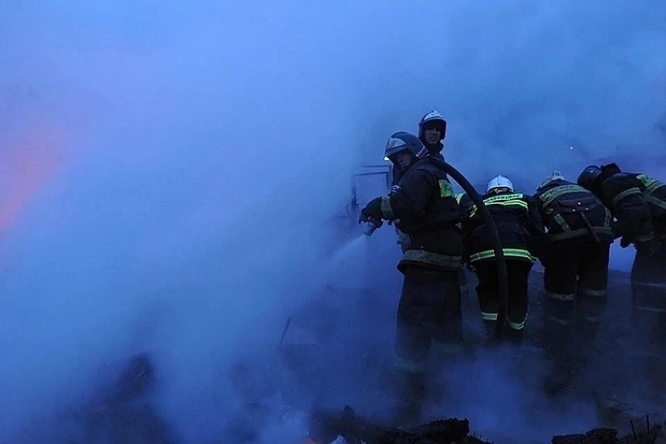 Из горящего дома эвакуировались 25 жильцов