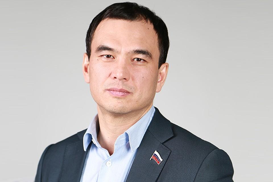 Сергей Тен: - В стратегии развития Иркутской области должны быть отражены социально значимые вопросы в здравоохранении и образовании. Фото: личный архив