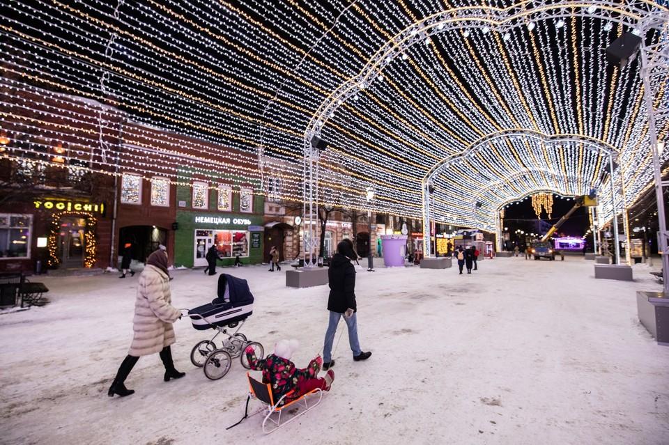 В этом году на Кировке сделали светомузыкальный тоннель