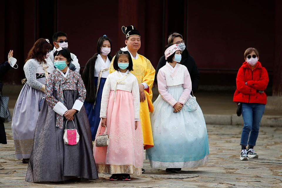 Как говорят китайские власти, пик эпидемии придется на 7-8 февраля, после наступит долгожданный спад.