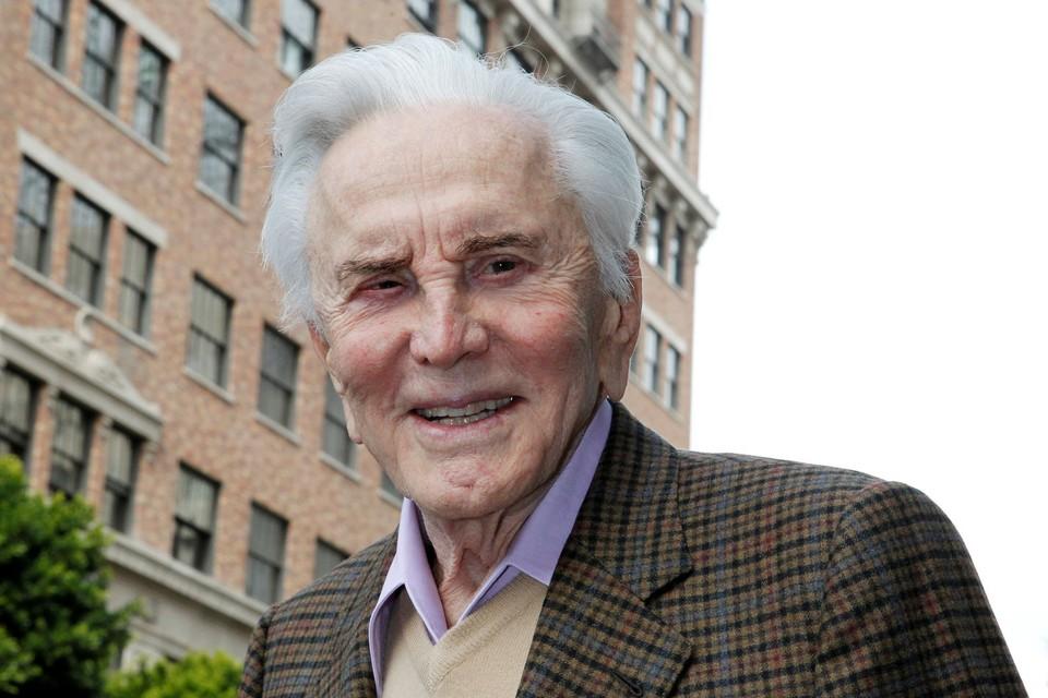 Легендарному актёру Кирку Дугласу было 103 года