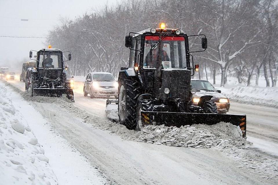 Последствия снегопада устраняют 250 единиц техники