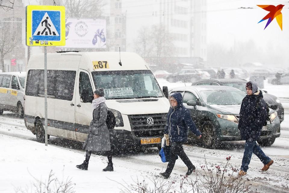"""Транспортники обещают сделать оплату проезда в маршрутках и отслеживание пути их следования более """"мобильными"""""""