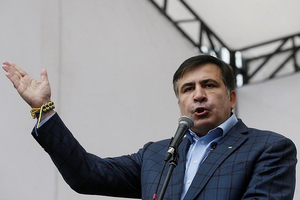 Впрочем, несмотря на грозные обещания и заявления, руководить «свержением Иванишвили» Саакашвили может только заочно или «в режиме видеоконференции»