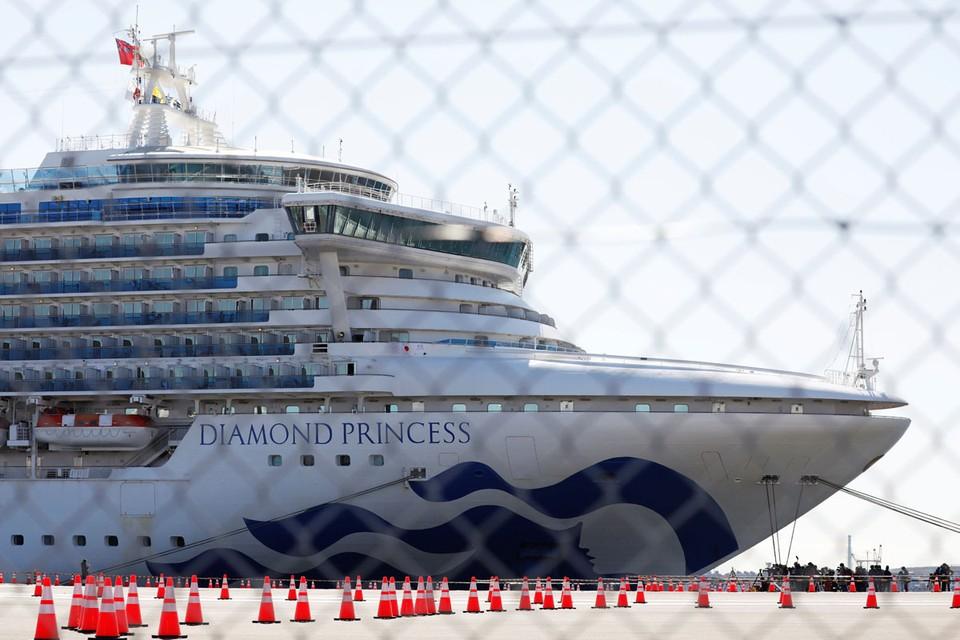 3 февраля на корабле объявили двухнедельный карантин из-за 80-летнего пассажира из Китая, у которого выявили коронавирус.