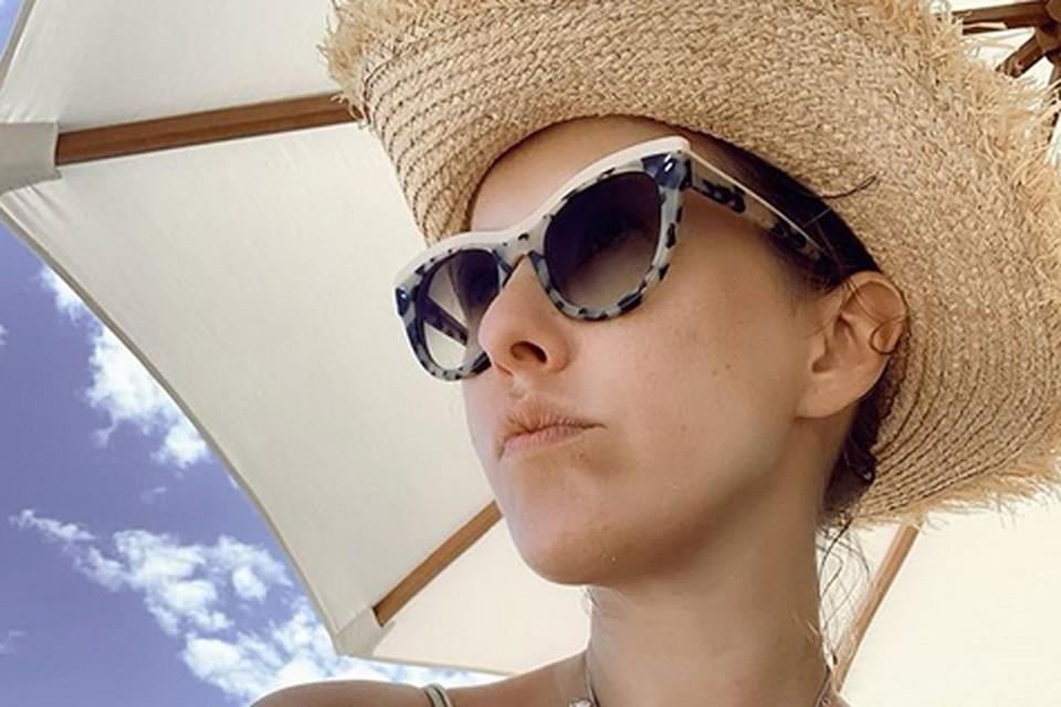 Ксения крайне редко публикует снимки в купальниках, не говоря уже о более откровенных фото